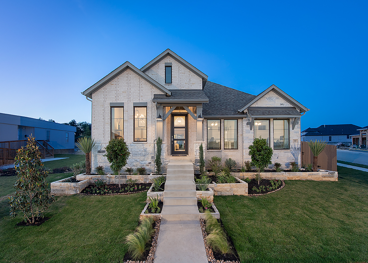 Perry Homes Home Model at 6 Creeks